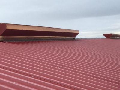 Aislamiento-Cubierta-de-Chapa-Industria-1-770x443